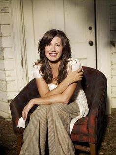 Picture of Amy Grant...love this picture. Love this woman! :)