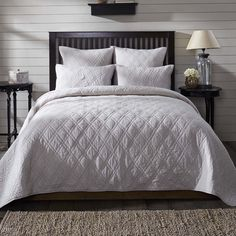 FREE SHIPPING on this lovely, soft gray solid 100% cotton quilt. Wouldn't this look pretty with black accents or perhaps a bright primary color or neon colors. Yes!