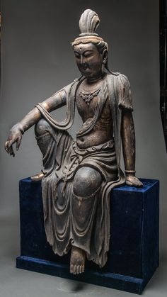Ming Wooden Guanyin - Origin: China Circa: 1368 AD to 1644 AD Dimensions: high x wide Collection: Chinese Art Medium: Wood Location: Great Britain Japanese Buddhism, Japanese Art, Lebron James, Buddha, Asian Sculptures, Tibetan Art, Chinese Art, Chinese Painting, In China