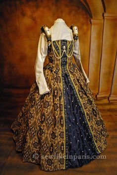 Tudor Period Gown with Removable Sleeves, designed by Jessica Brandon