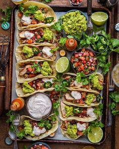 loaded grilled chicken tacos l dennistheprescott. - loaded grilled chicken tacos l dennistheprescott… La mejor imagen sobre fall recipes para tu gust - Grilled Chicken Tacos, Mexican Grilled Chicken, Healthy Chicken Tacos, Taco Chicken, Grilled Food, Party Food Platters, Clean Eating, Healthy Eating, Good Food