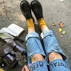 Find images and videos about grunge, aesthetic and indie on We Heart It - the app to get lost in what you love. Art Hoe Aesthetic, Aesthetic Fashion, Look Fashion, Womens Fashion, Aesthetic Vintage, Aesthetic Clothes, 90s Fashion, Dr. Martens, Soft Grunge