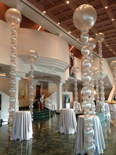 Squiggly Spheres, Tower Spheres, 3 foot balloons make a real impact at a celebration and show you are in the business of enjoyment! http://www.balloon-printing.com