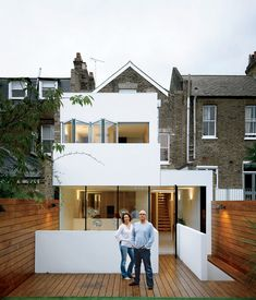 Victorian in the front, modern in the back: A couple re-energized their Victorian terrace house in London by adding a bright, white modern addition
