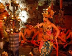Amazing things to do in Ubud at night: one of the dances