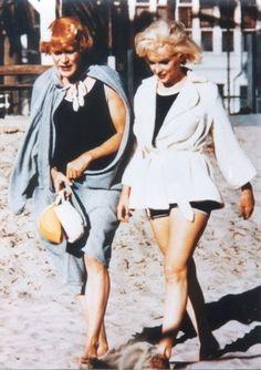 "Jack Lemon & Marilyn Monroe ""Some Like It Hot"" at Hotel del Coronado, CA. Marilyn Monroe Real Name, Marilyn Monroe Artwork, Marylin Monroe, Classic Hollywood, Old Hollywood, Jack Lemmon, Hotel Del Coronado, Tony Curtis, Some Like It Hot"