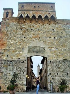Portas, Janelas e Molduras - Uma volta pela Europa | Guia Turística à Distância-San Geminiano
