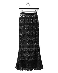 Outstanding Crochet: Spiegel. Crochet black maxi skirt. Other outfits, made with the same pattern.