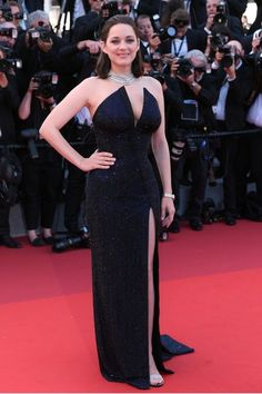 Cannes 2017: Marion Cotillard w sukni Armani Prive na jubileuszu Festiwalu Filmowego w Cannes