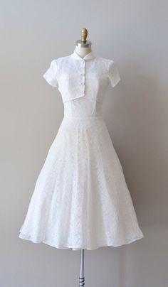 lace 50s wedding dress / 1950s wedding dress / Prelude lace wedding dress