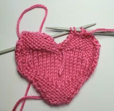 Our free knitted heart pattern will help you answer the NHS appeal to crafters to help comfort patients and relatives during the Coronavirus outbreak. Knitted Heart Pattern, Baby Hat Knitting Patterns Free, Teddy Bear Knitting Pattern, Baby Hats Knitting, Knitted Hats, Crochet Patterns, Free Pattern, Knit Basket, Quick Crochet