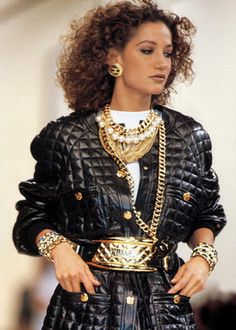 90s Chanel. Leather - Gold Chain