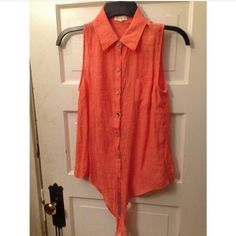 Button up peach blouse Peach button up blouse! Size M, super cute. Ties in the front too Forever 21 Tops Button Down Shirts