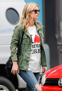nicky-hilton-in-ripped-jeans-leaves-the-bowery-hotel-in-new-york_2.jpg (1200×1766)