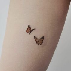 mini tattoos for girls with meaning ~ mini tattoos + mini tattoos with meaning + mini tattoos unique + mini tattoos simple + mini tattoos for girls with meaning + mini tattoos men + mini tattoos best friends + mini tattoos for women Tattoo Girls, Little Tattoo For Girls, Tiny Tattoos For Girls, Girl Back Tattoos, Girl Tattoos With Meaning, Girl Forearm Tattoos, Dainty Tattoos For Women, Back Of Arm Tattoo, Meaning Tattoos