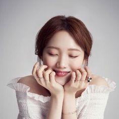 Lee Sung Kyung Korean Beauty Girls, Asian Beauty, Korean Actresses, Korean Actors, Korean Celebrities, Celebs, Lee Joo Young, Ahn Hyo Seop, Kim Book