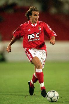 Em chegava ao SL Benfica, Karel Poborský, proveniente do Football Love, Football Players, Football Reference, Best Player, Ronaldo, Soccer, Running, Nba, Twitter