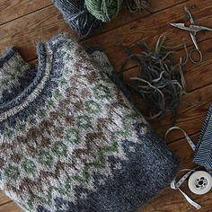Ravelry: Project Gallery for Riddari pattern by Védís Jónsdóttir Icelandic Sweaters, Crochet Wool, Sweater Knitting Patterns, Knitting Projects, Knitting Ideas, Perfect Fit, Stitch, Sewing, Ravelry