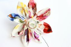Handmade brooch by Bev Holmes-Wright @ www.stitchingforthesoul.co.uk