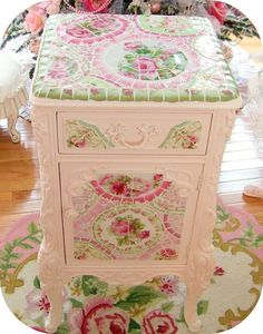 Would LOVE to have a dresser like this!