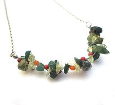 Green blossom necklace green quartz and jade chips door deBATjes