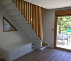 Staircase In Living Room, House Staircase, Staircase Design, Modern Stair Railing, Modern Stairs, Home Design Plans, Home Interior Design, Cottage Stairs, Attic Bedroom Designs