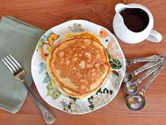 Bubaleh - This easy Passover pancake recipe has only 4 ingredients. Super easy to make and so yummy! Kosher for Passover, Jewish holiday via @toriavey