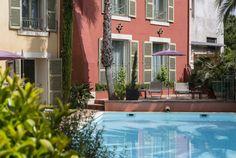 Profitez d'un séjour dans le Var à fréjus pour séjourner à l'Hôtel Aréna situé en centre ville de Fréjus proche des plages de sable fin... Vivez l'expérience avec Bontourism®, Tout l'Art du Voyage