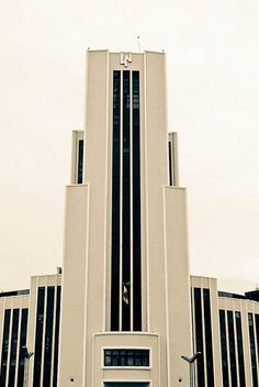 Art Deco mexico city - its all about those elegant lines Amazing Architecture, Art And Architecture, Architecture Details, Contemporary Architecture, Bauhaus, Art Deco Stil, Art Deco Home, Art Nouveau, Art Deco Period