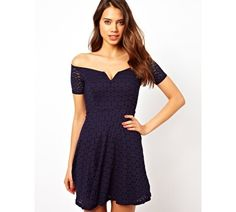 Granatowa koronkowa sukienka bez ramion - TFNC Off Shoulder Skater Dress in Lace ASOS