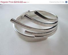 """SALE Vintage Sigi Pineda Modernist Bracelet """"Hands"""" Sterling Hinged Bangle"""