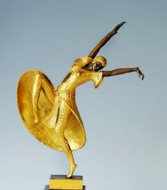Bronze-Dancing-Lady-Sculpture-437x499