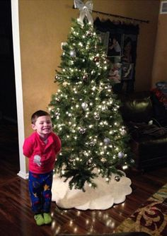 Kailyn Lowry's son Isaac shows off the family Christmas tree