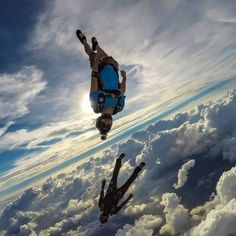 Insane freefly in clouds. Picture by Tommy Miller.