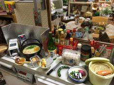 寒なってきたしそろそろ鍋の季節やで♪ 冬は楽やわ、毎日手抜き鍋するしな。、 ふふ。 #Rement #toy #miniature #miniaturefood #dollhouse #kitchen #cooking #ドールハウス #ミニチュアフード #ミニチュア #ぷちサンプル #リーメント #鍋