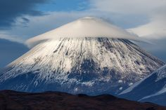 #камчатка #вулкан #облако #осень #природа #пейзаж #путешествие #фототур Author: Денис Будьков