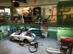 """Porsche 904 garage"" 1/24 scale. By Wilco Machiels.  #diorama #model_cars #scale_model http://www.wilcosdioramas.com/index.php/photoalbum"
