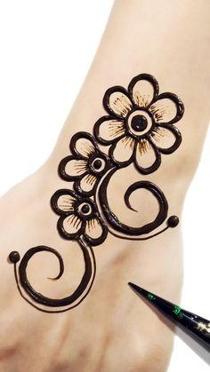 Very Simple Mehndi Designs, Henna Designs For Kids, All Mehndi Design, Mehndi Designs Front Hand, Henna Designs Feet, Finger Henna Designs, Mehndi Designs For Beginners, Mehndi Designs For Fingers, Mehndi Art Designs