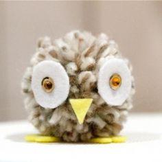 Make this super super cute pompom owl!