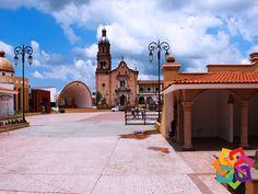 """RECORRIENDO MICHOACÁN. Ubicado a 61 km de Pátzcuaro se encuentra la ciudad de Zacapu, rodeada de paisajes naturales, es un hermoso lugar que invita a relajarse y dar largas caminatas por sus calles empedradas. También puede visitar la laguna, La Angostura y la llamada """"Alberca"""" de Los Espinos. Recorriendo Michoacán le invita a disfrutar de las maravillas naturales que este pequeño poblado le brinda. HOTEL CABAÑAS ERENDIRA http://erendiralosazufres.com"""