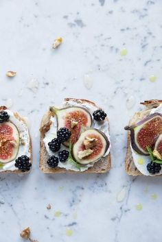 Fig and blackberry toast