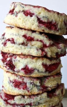 Raspberry Lemon Sour Cream Scones would be perfect on Christmas morning. A #DollopOfDaisy sour cream makes them tender & moist! #ad