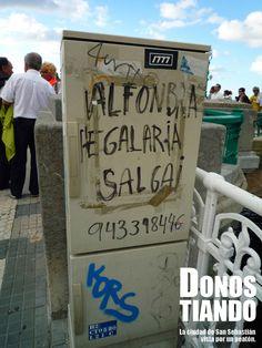"En euskera ""Se vende alfombra voladora"", al lado del puente Kursaal. En Donostia - San Sebastián. Signs, Bridges, Cities, Shop Signs, Sign"