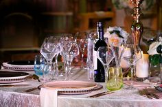 Hiring luxurious crockery, glassware and cutlery contributes to the overall finish of your event dining occasion, with everything needing to be top-drawer such as the lighting, food, entertainment, venue décor. #luxurydining #highenddining #topenddining http://ow.ly/14Vx30kuQD5
