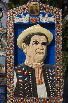 El Cementerio Alegre de Sapanta, cruz de madera, detalle, Rumania