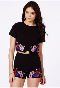 Getela High Waisted Shorts with Floral Embroidered Detail - Shorts - Tailored Shorts - Missguided