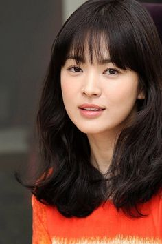 Song Hye Kyo ofc the one and only Hairstyles For Gowns, Cute Hairstyles, Most Beautiful Faces, Beautiful Asian Women, Korean Beauty, Asian Beauty, Song Hye Kyo Style, Korean Girl, Asian Girl