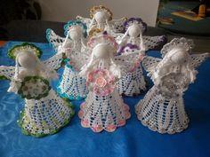 Janeczkowo: Moje szydełkowe anioły w natarciu. Crochet Angels, Christmas Table Decorations, Wreaths, Album, Knitting, Archive, Macrame, Christmas Angels, Tinkerbell