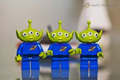 076 three-eyed rubber aliens #365project Two is not looking at the camera...only the middle one has camera sense!!! http://www.veedophotography.com/076-project-365/
