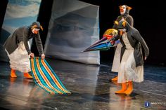 Fotos mit dem bit.ly/Theater_ASOU  #Pinguin People am 22. Jänner 2016 Eine Geschichte über das #Tierische im Menschen – #clowneskes #Bewegungstheater aufgeführt im #TTZ in Graz-Gösting. Ein Stück das gänzlich ohne Sprache auskommt. #TheaterASOU #PinguinPeople #MichaelHofkirchner #UrsulaLitschauer #ChristophSchiele #BirgitUnger #BernhardZandl Theater, Darth Vader, Events, People, Fictional Characters, Pictures, Graz, Language, History